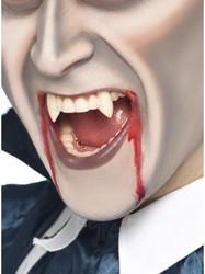 Vampier Tanden met Nep Bloed